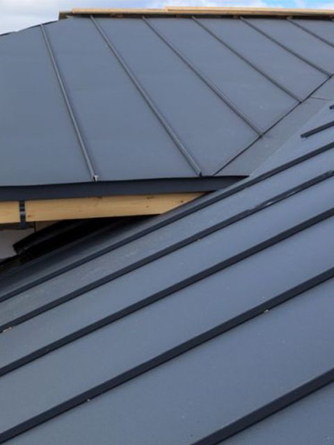 gray-standing-seam-metal-roofing(480-640)